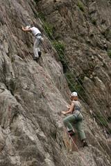 Deux jeunes alpinistes