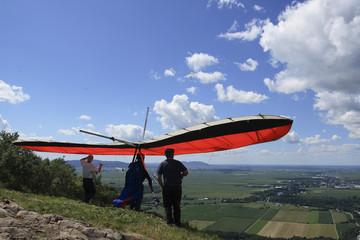 Hang-gliding preparation