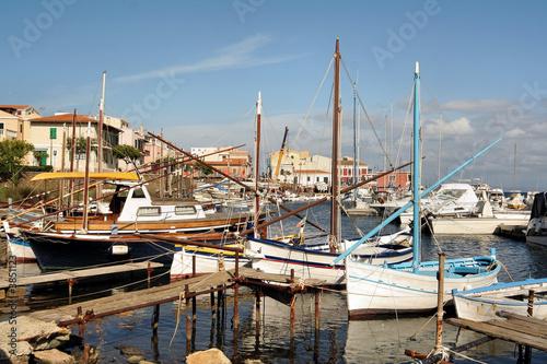 Aluminium port de Sardaigne, voile latine