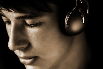 teen listening favorite song