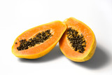 Fototapety halbierte papaya auf weissem hintergund