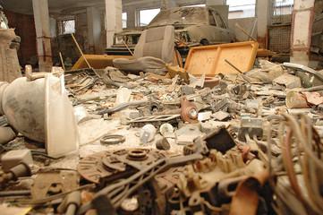 Ersatzteile - Müllhalde