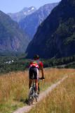 Cycliste en montagne poster