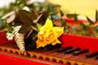Cembalo Klaviatur mit Blume