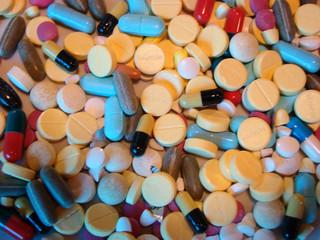 Coloured pills