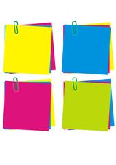 Colecção de papel das notas em cores diferentes