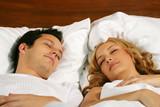 Fototapety sleeping young couple