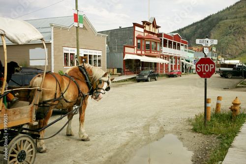 Papiers peints Camping Horse buggy in Dawson City, Yukon, Canada