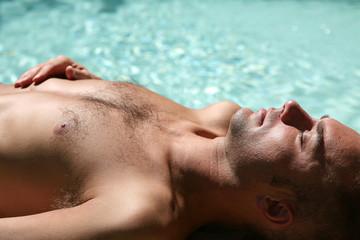 Bronzage à la piscine #5