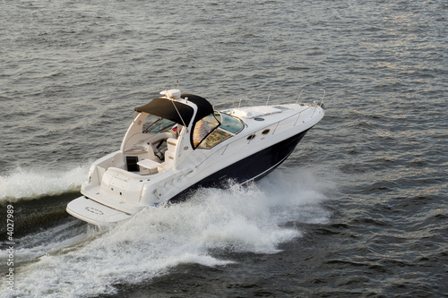Speed-boat - 4027989