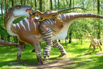 Deinonych attacking Iguanodon