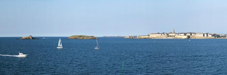 Saint Malo depuis Dinard