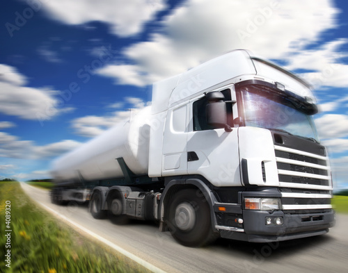 Fototapeta droga - ciężarówka - Ciężarówka