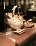 Un sac de cuir d'une jolie petite boutique