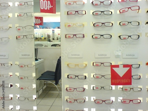 glasses optician
