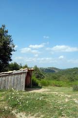 Cabane sur une coline