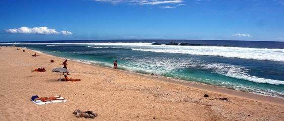 plage tropicale touristique, ile de la reunion