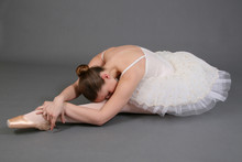 Ballerina Na Szarym Tle