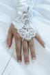 main femme mariée
