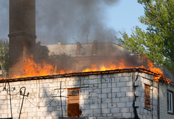 building in fire