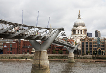 St Paul Cathedral and Millenium Bridge