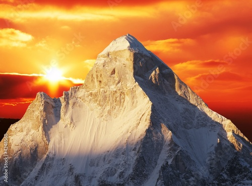 Leinwanddruck Bild Sunset in Himalayan mountain