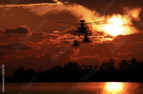 Apache helicopter formation - 4252799