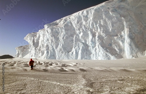Leinwanddruck Bild gigantesque mur de glace
