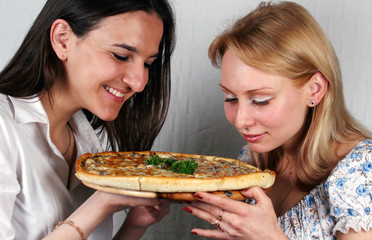 pizza and girls