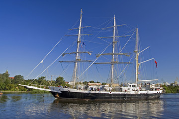 Tall Ship Flows