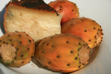 higos chumbos y queso de san mateo