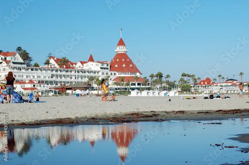 Coronado Hotel and beach - 4300577