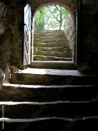Treppe ins Licht - 4312361