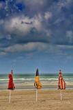3 parasols poster