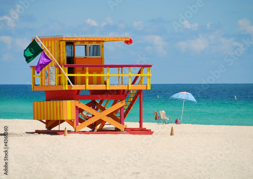 Lifeguard station on Miami Beach - 4366360