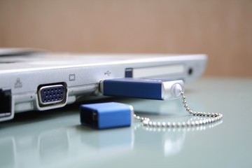 laptop with flash-drive