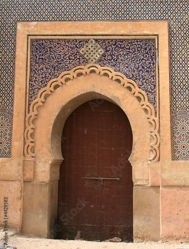 porte de la médina de meknes au maroc