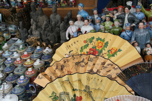 Foto op Aluminium Beijing Souvenirs in a tourist shop in Beijing