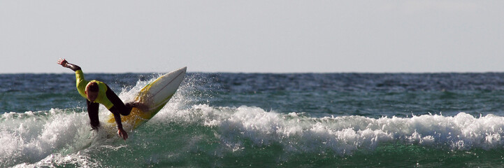 surfeur jaune