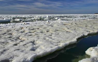 sea under ice