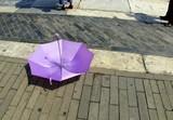 Parapluie violet anti UV poster