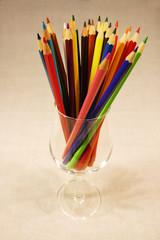 Um copo de lápis