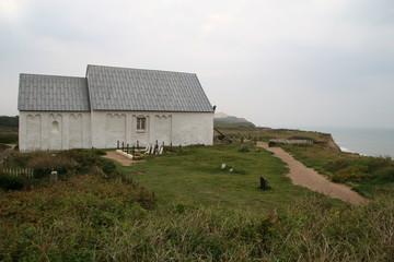 Kirche an der Steilküste von Dänemark