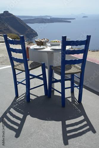 Plakat Taverna, Tisch auf Santorin