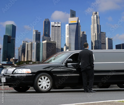 Foto op Canvas Singapore Limousine driver waiting for passenger in Singapore