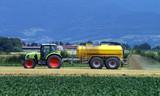 Fototapety Dünger in der Landwirtschaft
