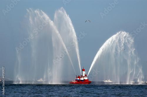 Leinwanddruck Bild Fireboat in Action