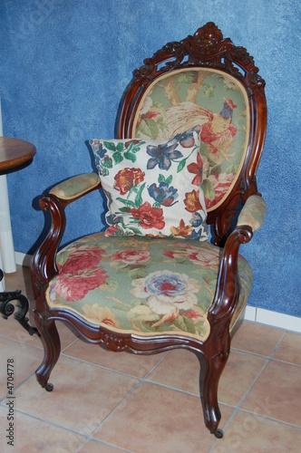 louis seize sessel stockfotos und lizenzfreie bilder auf. Black Bedroom Furniture Sets. Home Design Ideas