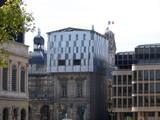 Echafaudage complexe au dernier étage, Lyon, France poster