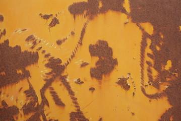 Rouille et peinture jaune